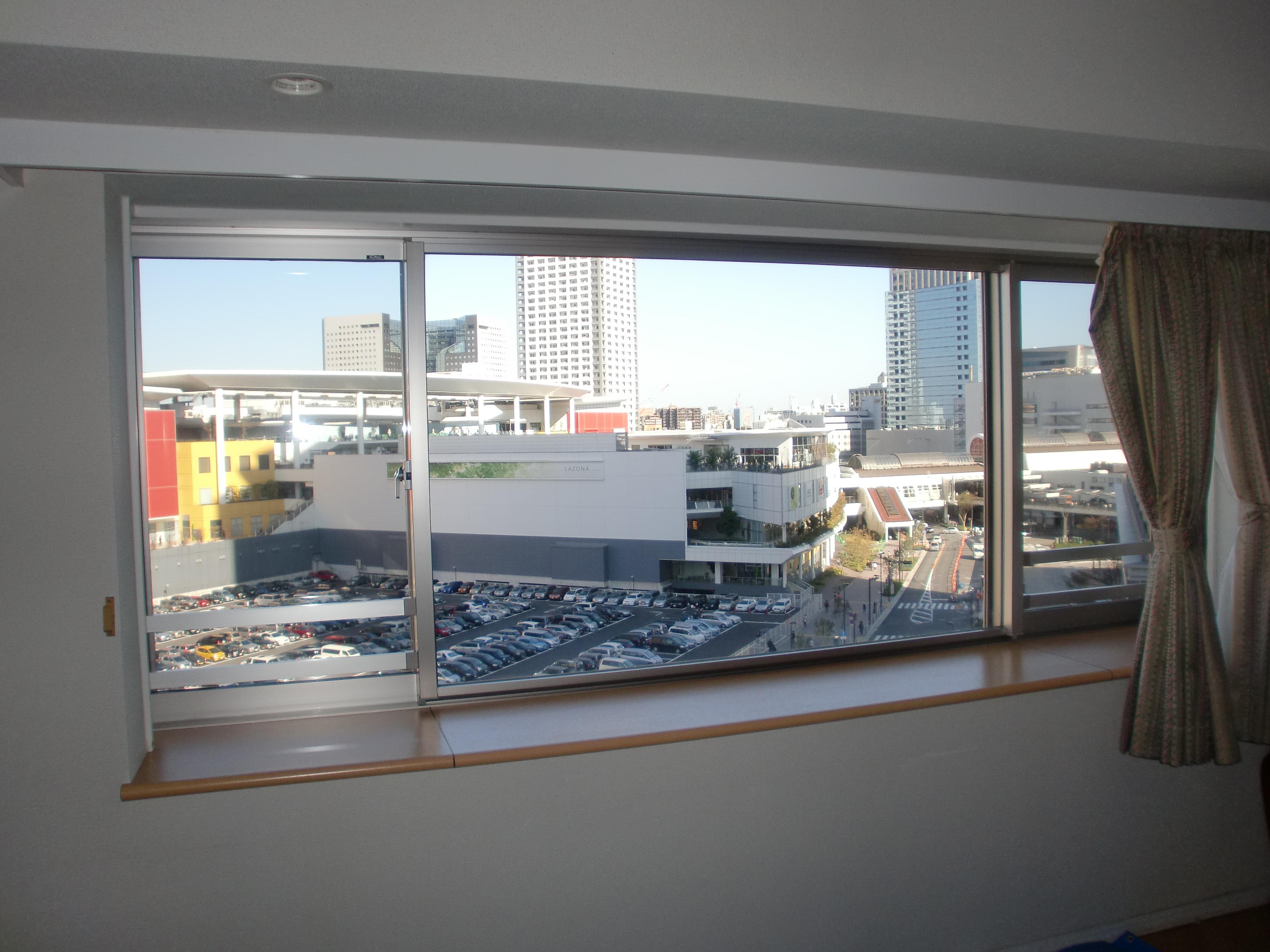 出窓の二重窓控除のお知らせ施工事例サービスエリア 断熱ドア